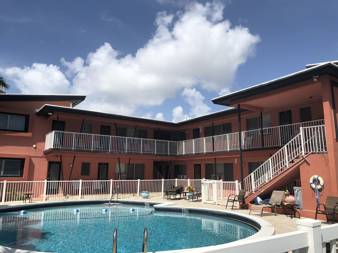 Berger Commercial Realty Facilitates $3.8 Million Sale  Of Coral Cay Apartments Near Fort Lauderdale Beach